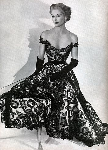 Horst P. Horst photo. Lisa Fonssagrives-Penn wearing Hattie Carnegie 1951.