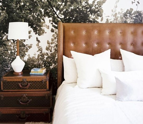 Mesa de Cabeceira: Decor, Idea, Masculine Bedrooms, Interiors Design, Trunks, Leather Headboards, Bedside Tables, Suitca, Night Stands