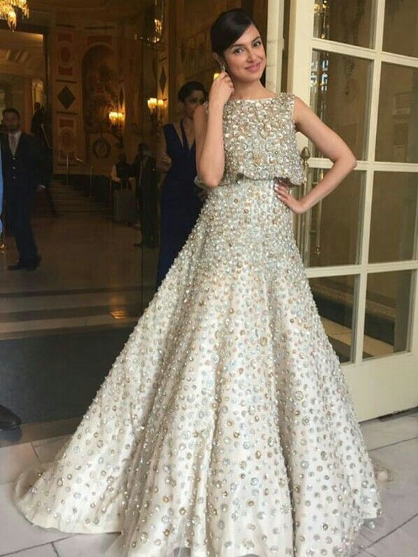 Divya Khosla Kumar looking absolutely beautiful in a Manish Malhotra outfit.