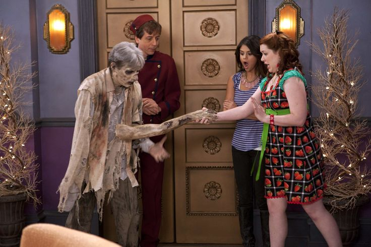 teenidols4you.com jennifer stone   Jennifer Stone in Wizards of Waverly Place (Season 4) - Picture 13 of ...