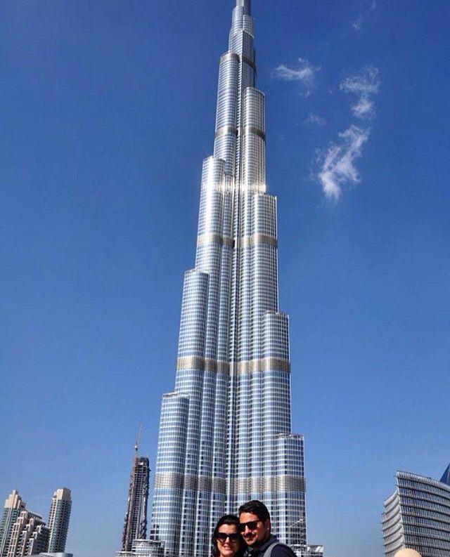 👣👀 Com 829 metros de altura, o Burj Khalifa em Dubai é o prédio mais alto do…