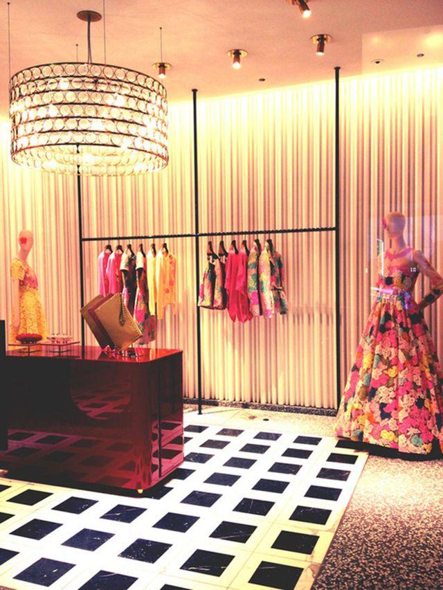 Milan Italy: -These fashions have a reputation for casual elegance and luxurious fabrics. -Milan Fair -Armani -Dolce e Gabbana -Fendi -Salvator -Max Mara -Gianni Versace