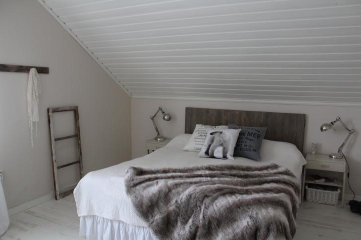 Schlafzimmer mit Schräge