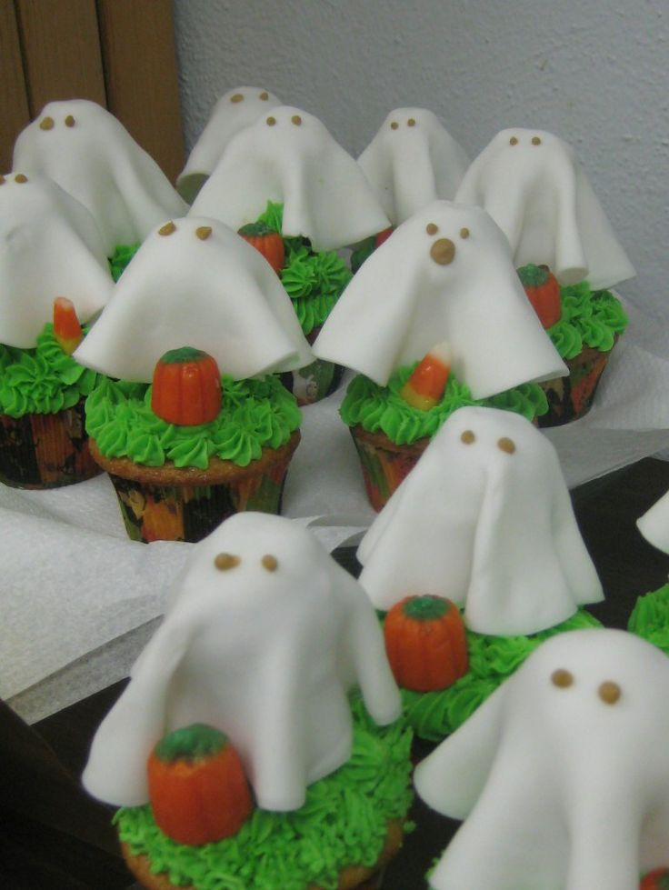 158 best halloween cupcakes images on pinterest halloween cupcakes halloween recipe and halloween foods - Halloween Decorated Cupcakes