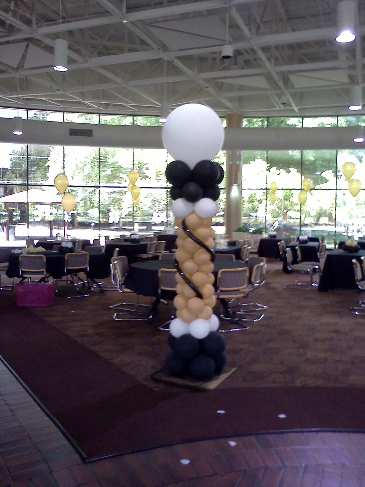 115 best images about balloon decor ideas on pinterest for Champagne balloon wall