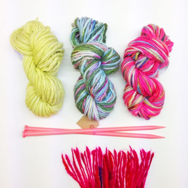 Learn to knit with author Clare Davies at The Gilliangladrag Fluff-a-torium #learntoknit #knitting #knit