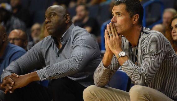 Magic Johnson et Jeanie Buss affichent leur soutien à Luke Walton -  #InLukeWeTrust. Ce hashtag éloquent («Nous croyons en Luke») est employé par une partie de la sphère Lakers sur Twitter. Et surtout par la propriétaire de la franchise, Jeanie Buss. Cette… Lire la suite»  http://www.basketusa.com/wp-content/uploads/2018/01/usa_today_10328195.0-570x325.jpg - Par http://www.78682homes.com/magic-johnson-et-j