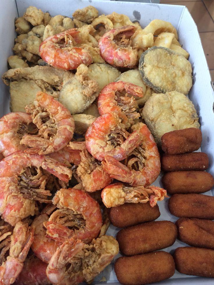 Cajitas de pescado frito de Freiduría Puerta de la Carne #Sevilla http://www.puertadelacarne.telepescaito.es
