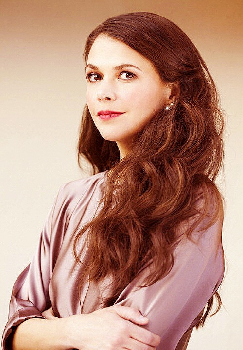sutton foster--perfect in every way. Wouldn't you just love to have a career and life like hers?