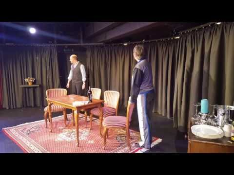 Biedermänner in Theaterkeller - YouTube