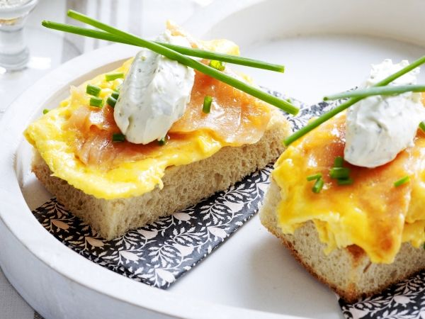 Toast met zalm-omelet - Libelle Lekker!