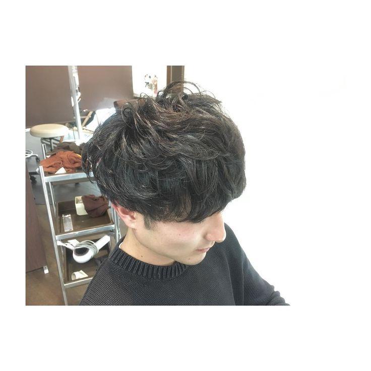 . 前回のパーマを 生かしたお洒落スタイル マッシュ風のヘアスタイルが 古着好きの彼にお似合いです #alfranc #hamamatsu #美容師 #美容室 #ふなカラー #hair #hairstyle  #haircut #haircolor  #メンズカット #マッシュ  #パーマスタイル  #お洒落 #マッシュショート #パーマ風