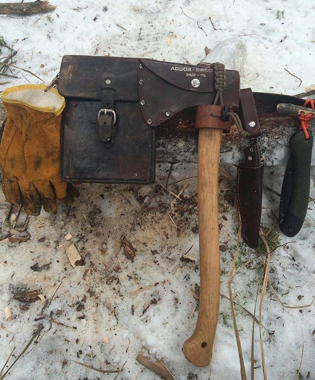 Bushcraft gear belt! Kinda like batmans but better. #outdoors #lifestyle#bushcraft#winter#diy #hultsbruk#axe#enzotrapper#knife #leather