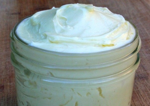 Learn how to make your own coconut oil oil body butter, with antioxidants like vitamin E and vitamin D for youthful skin.