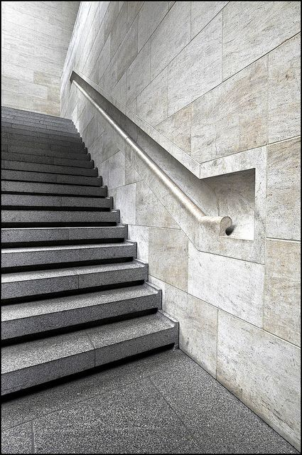 Handrail detail - German Historical Museum (Deutsches Historisches Museum) in Berlin, Germany (1998-2003) | I. M. Pei