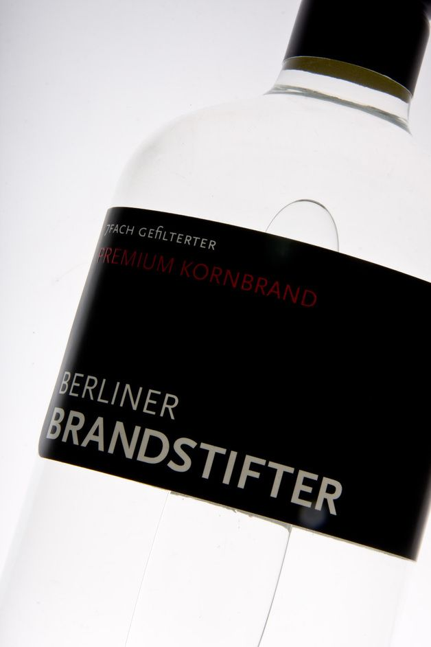 Die deutsche Spirituosen Manufaktur Berliner Brandstifter hat sich der Entwicklung und Herstellung besonders edler Brände mit eigenständigem Berliner Charakter verpflichtet.