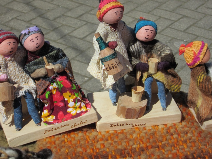 Artisan handicrafts in Chiloe. Photo by CD