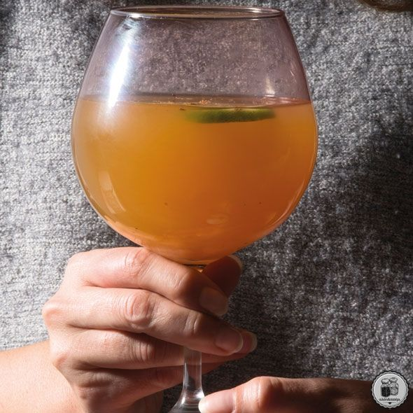 Λευκό κρασί με μήλο & καρδάμωμο leuko-krasi-me-lime590
