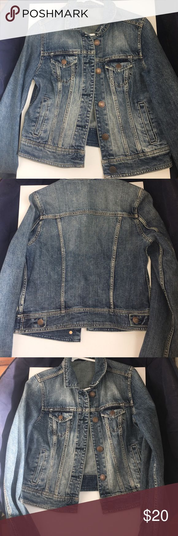 American Eagle Outfitters Denim Jacket American Eagle Outfitters medium wash Denim Jacket. Never worn, 100% Cotton, super soft, no damage, like new! Size is a Medium. American Eagle Outfitters Jackets & Coats Jean Jackets