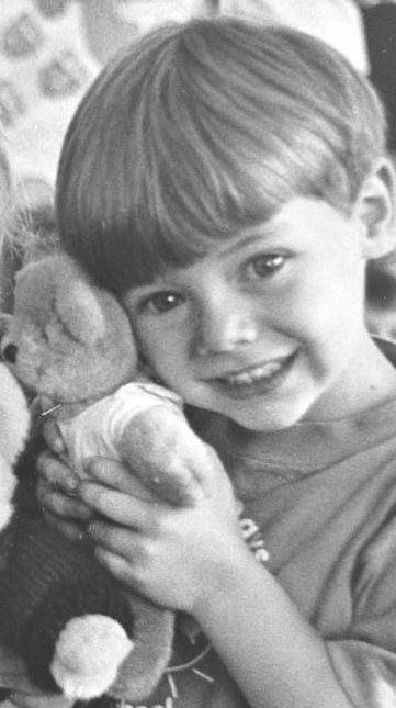 He was so adorsble when he was a little boy...heck who am I kidding, he's still adorable :P