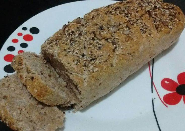 Pan de harina integral, salvado y semillas