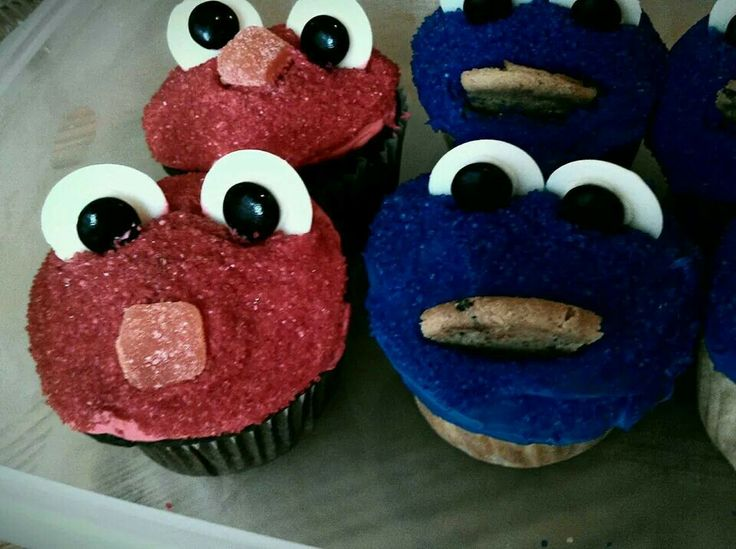Elmo and Cookie Monster Cupcakes | Cupcakes | Pinterest ...