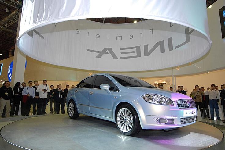 Fiat Linea na Salonie w Stambule (2006)