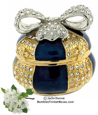 Trinket Box: Blue Box With Bow |Pinned from PinTo for iPad|