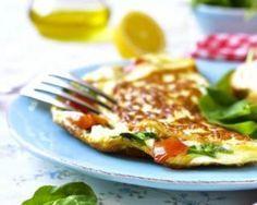 Omelette Croq'Kilos tomates, feta et pousses d'épinards express : http://www.fourchette-et-bikini.fr/recettes/recettes-minceur/omelette-croqkilos-tomates-feta-et-pousses-depinards-express.html