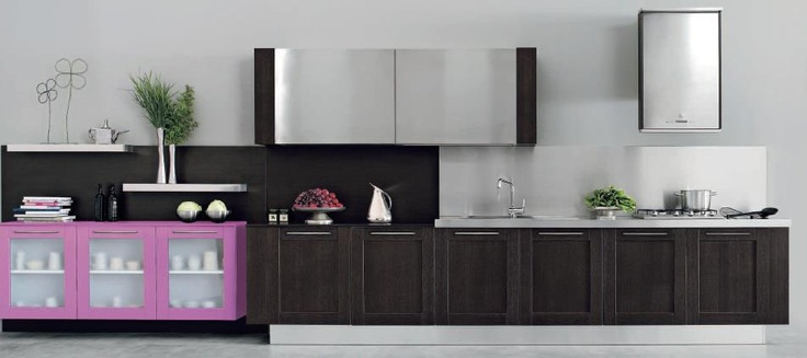 With Licia kitchen, the warmth of wood and modern style provides a new concept of innovative lifestyle.