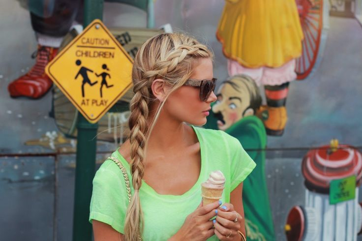 Dutch Side Braid (inverted French braid) hairstyle. Must try this soon.
