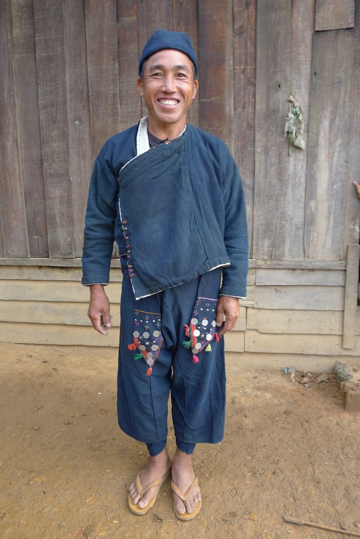 Indigo dyes, natural and handsome, adheres well to cotton, making it the practical and most used of dyes by traditional cultures