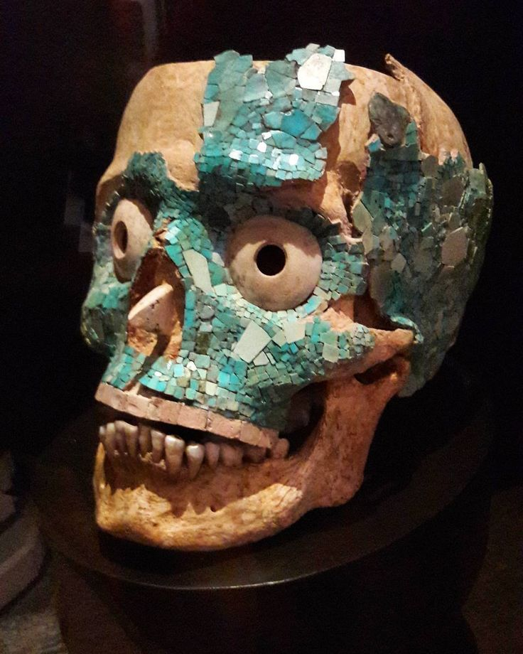J-8 souvenir de notre visite au musée des cultures Santo Domingo de #oaxaca.  #tresor de la tombe 7 de Monte Albán.  #museosantodomingo #tesoro #zapoteco #construction #zapoteque #montealban #mosaico #turquesa #skull #history #museum #mosaïque #turquoise #mexico #travelgram #memories #nofilter