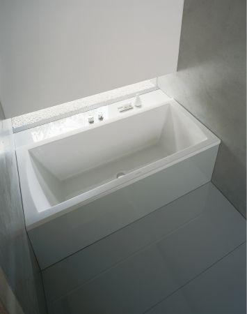 Daro  Schlichte Eleganz für's Bad.  Die Badewanne mit der elegant geschwungenen Linienführung passt zu vielen Keramik- und Möbelserien und lässt durch ihre formschöne Eleganz das Bad zur Spa-Oase werden.