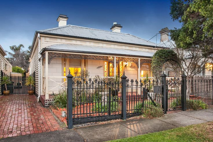 97 High Street NEWPORT | Village Real Estate #villagere #newport #beautifulhomes #exteriors #doublefront #victorian