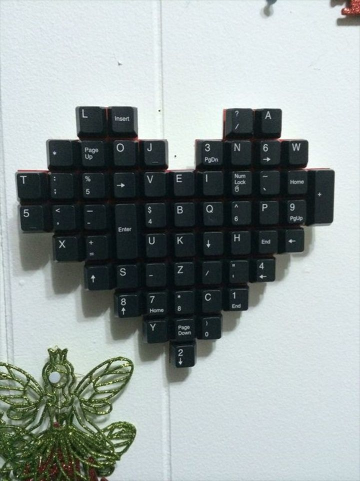 Wall Art- 22 Upcycled Keyboard Keys Ideas | DIY to Make
