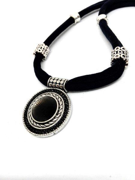 Stoffketten - Halskette dunkelblau Textilband Stoff  Anhänger - ein Designerstück von Oase-der-Perlen bei DaWanda