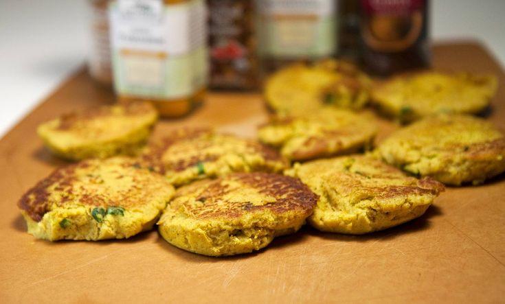 Curried Cauliflower Cakes / @DJ Foodie / DJFoodie.com