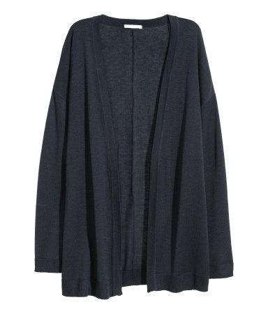 Dark blue. Fine-knit cardigan in soft yarn with dropped shoulders, long sleeves and no buttons.