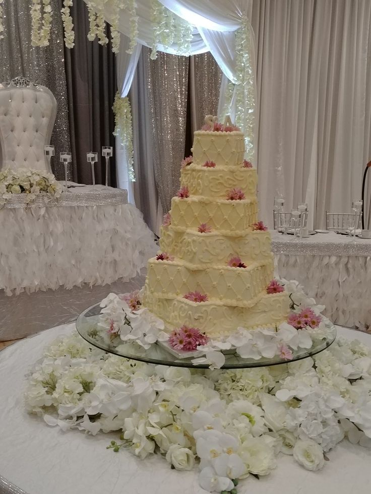 Beautiful wedding cake made by Natalie for a friends wedding