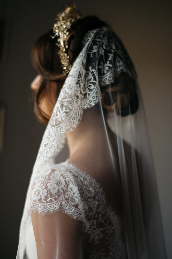 Gorgeous lace cathedral veil | Image by Chris Copeland Photography