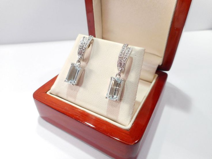 Fine Quality 18ct White Gold Aquamarine Diamond Earrings