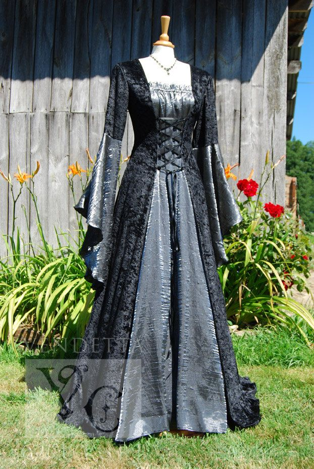 Medieval Dress Wedding gown Handfasting by VendettaCouture on Etsy, €139.00