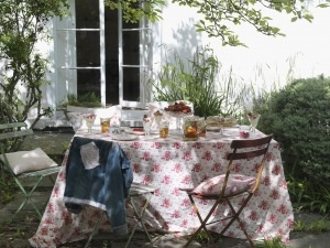 externals - japancloth.com: Roses Table, Cabbages, Google Search, Gardens, Cabbage Roses, Vintage Roses, Chic Country Garden, Garden