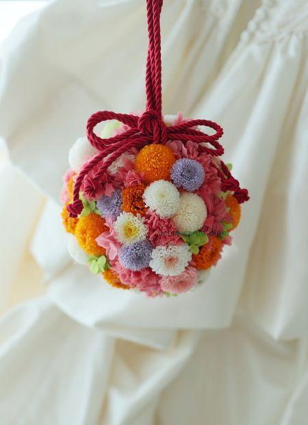 和装のボールブーケ ザ・プリンスパークタワー東京様へ 自分の名前で仕事をするということ : 一会 ウエディングの花
