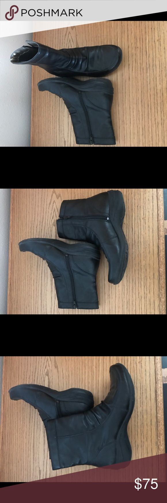 Hush Puppies Zip Side Booties NWOT..Super Soft, Comfy and Feel Like a Slipper! Perfect Condition and a Black Boot Staple, Every Closet Must Have! Hush Puppies Shoes Ankle Boots & Booties