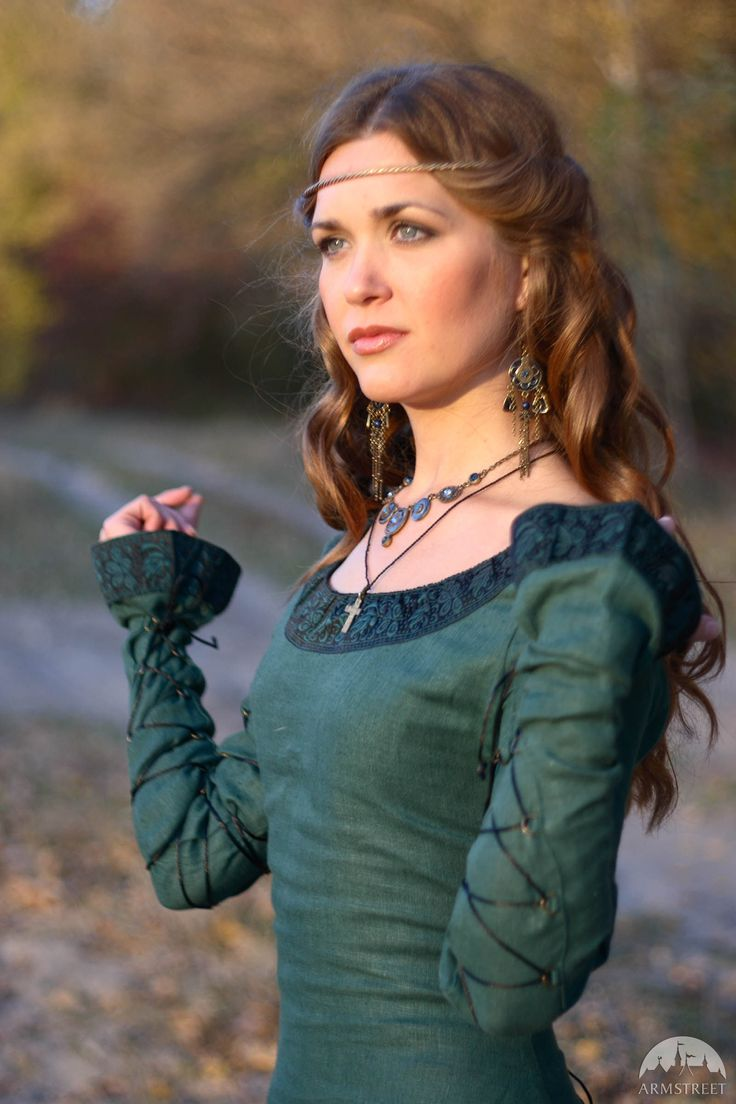 """XIII century style linen fantasy dress """"Autumn princess"""" with trim and lacing: exquisite made-to-measure medieval attire. Available for worldwide shipping."""