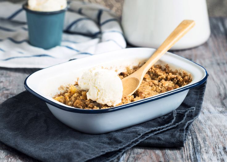 A delicious apple crisp that's just perfect for the fall season. Good with blueberries, too! (Use onequart.)