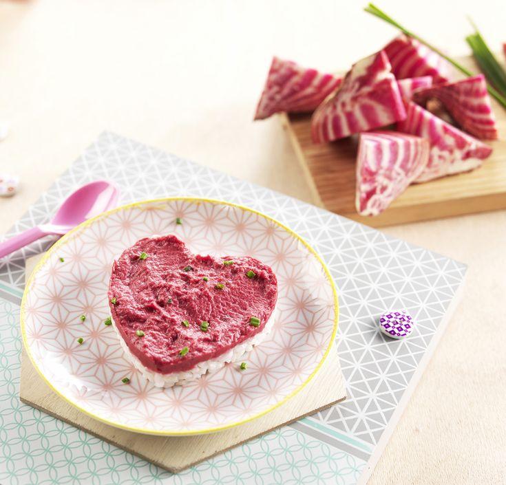 """Une recette pour dire """"Je t'aime"""" à Bébé le jour de la Saint-Valentin! Cœur de riz et betteraves pour bébé dès 8 mois. Une recette facile pour lui faire découvrir les petits morceaux et le goût inimitable de la betterave. #recettebébé #8mois #betterave #saintvalentin"""