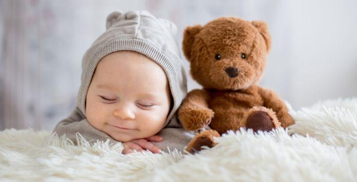 Le sommeil de bébé est perturbé? Ne paniquez pas, il se pourrait qu'une co …